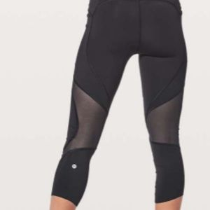 lululemon athletica Pants - Lululemon On Pace Crop